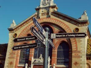 Gypsycouple Budapest Guide - Signpost near Station