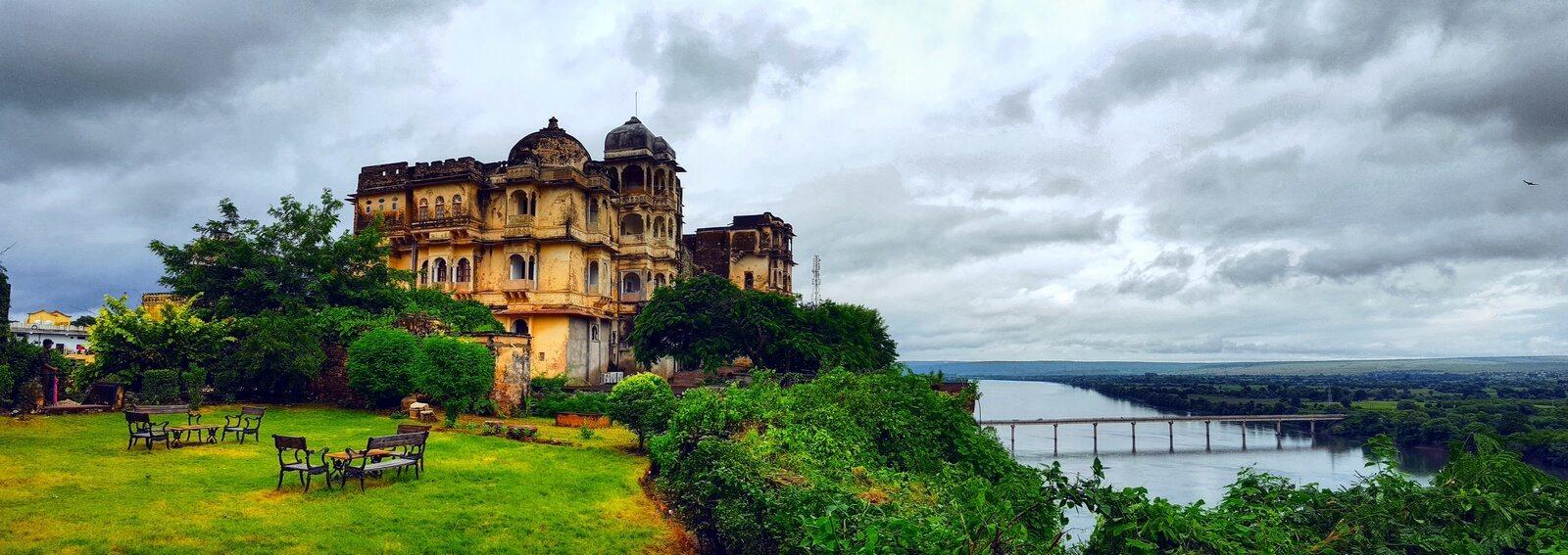 Bhainsrorgarh Fort