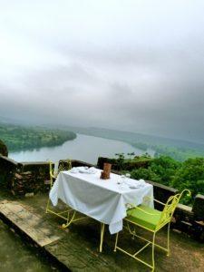 breakfast-seat