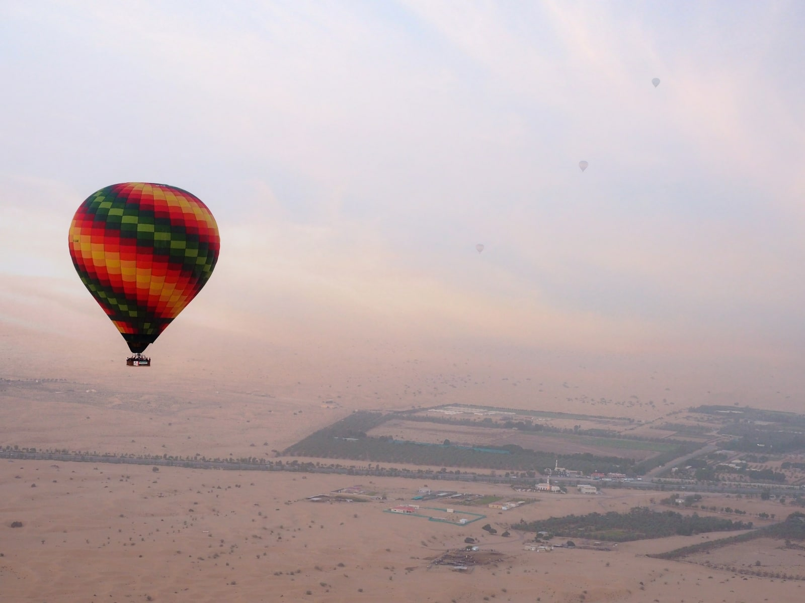 Offbeat Dubai | Dubai attractions | Hot Air Ballooning